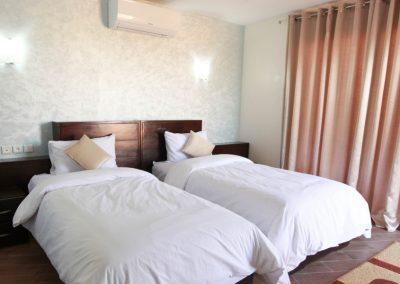 Standard 2 Twin Beds